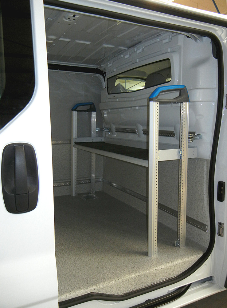 Fahrzeugumbau eines Transporters für den Facility Management Service