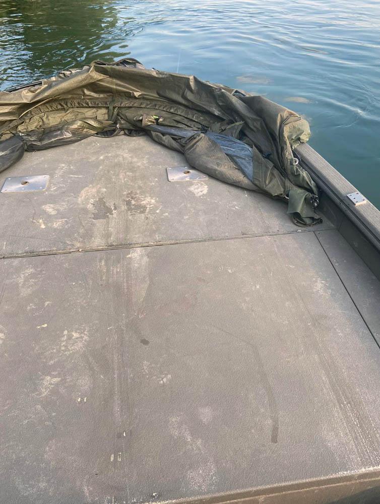 Boot Deck rutschfest mit Polyurethan beschichtet