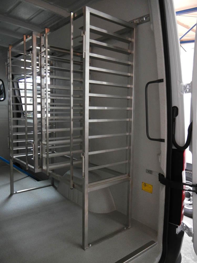 Bäckerfahrzeug mit Hygieneausbau und Stikken im Laderaum