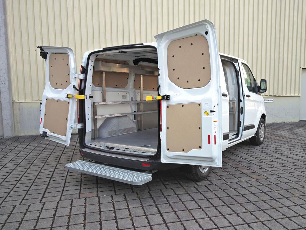 Fahrzeugausbau zum Transport von Gasdruckflaschen