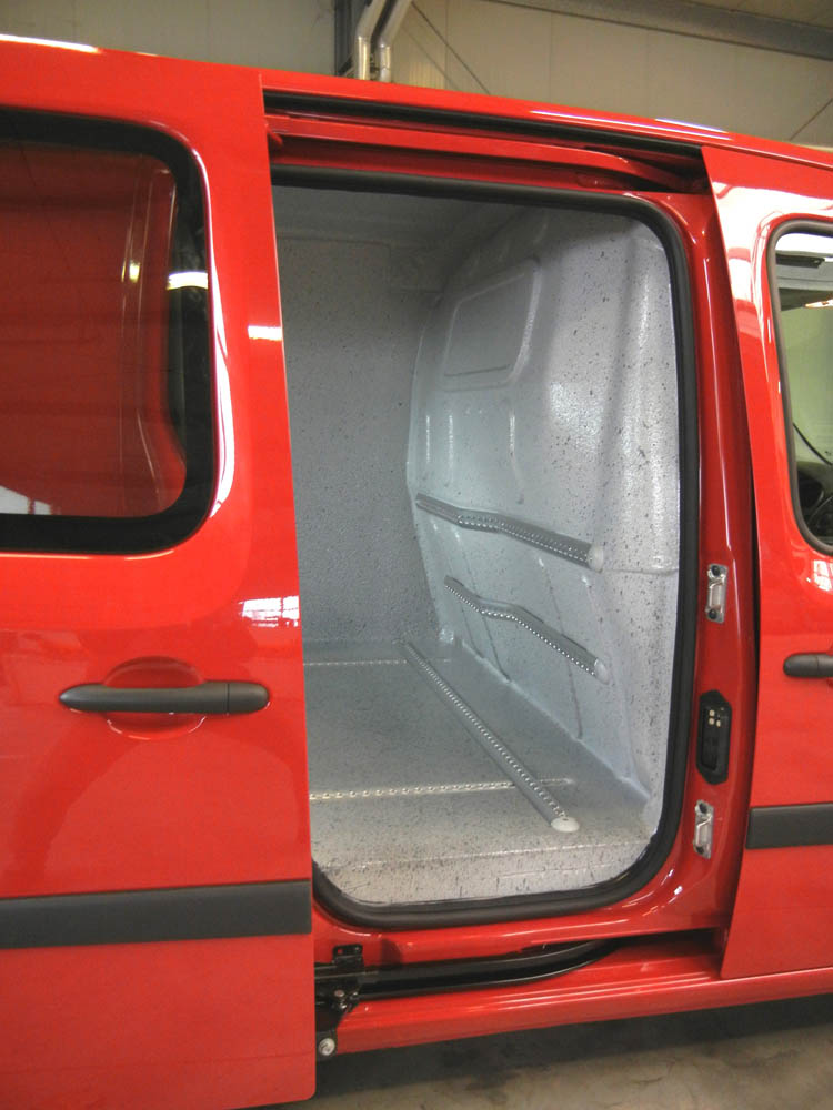 Fahrzeugausstattung damit Druckgasflaschen nach DVS 0211 sicher transportiert werden können