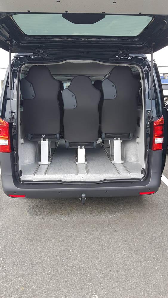 Fahrzeugausstattung durch das Nachrüsten einer 2. oder 3. Sitzreihe