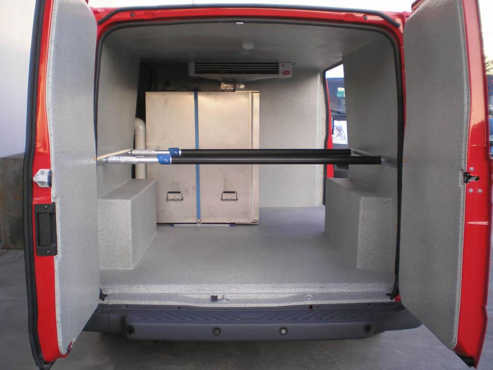 Fahrzeugumbau zum Kühlfahrzeug mit mobilem Tiefkühler