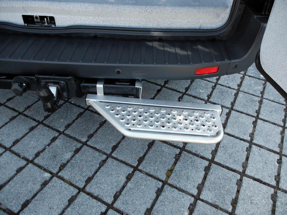 Heck Trittstufe erleichtert das Ein- und Aussteigen aus dem Transporter
