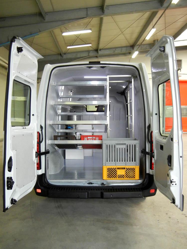 Laderaumumbau zum Bäckerei Fahrzeug und Verkaufsfahrzeug