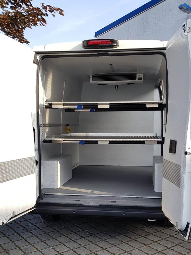 Gekühlter Hygieneausbau im Citroen Jumper mit höhenverstellbaren Zwischenböden und WAECO Kühlung