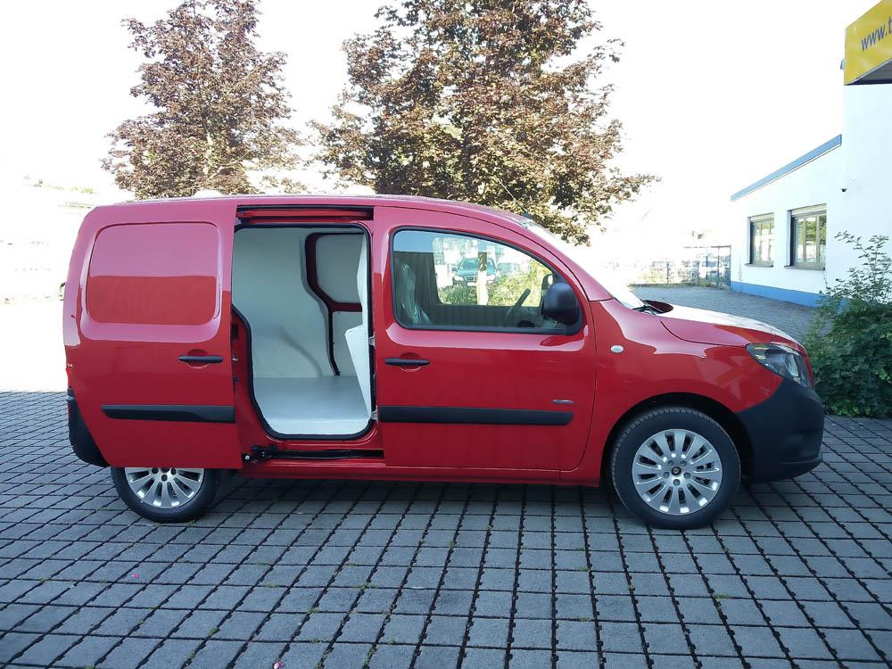 Lebensmittelsicherheit durch den Hygieneausbau Trans-Clean im E-Fahrzeug, dem ZE Kangoo von Renault