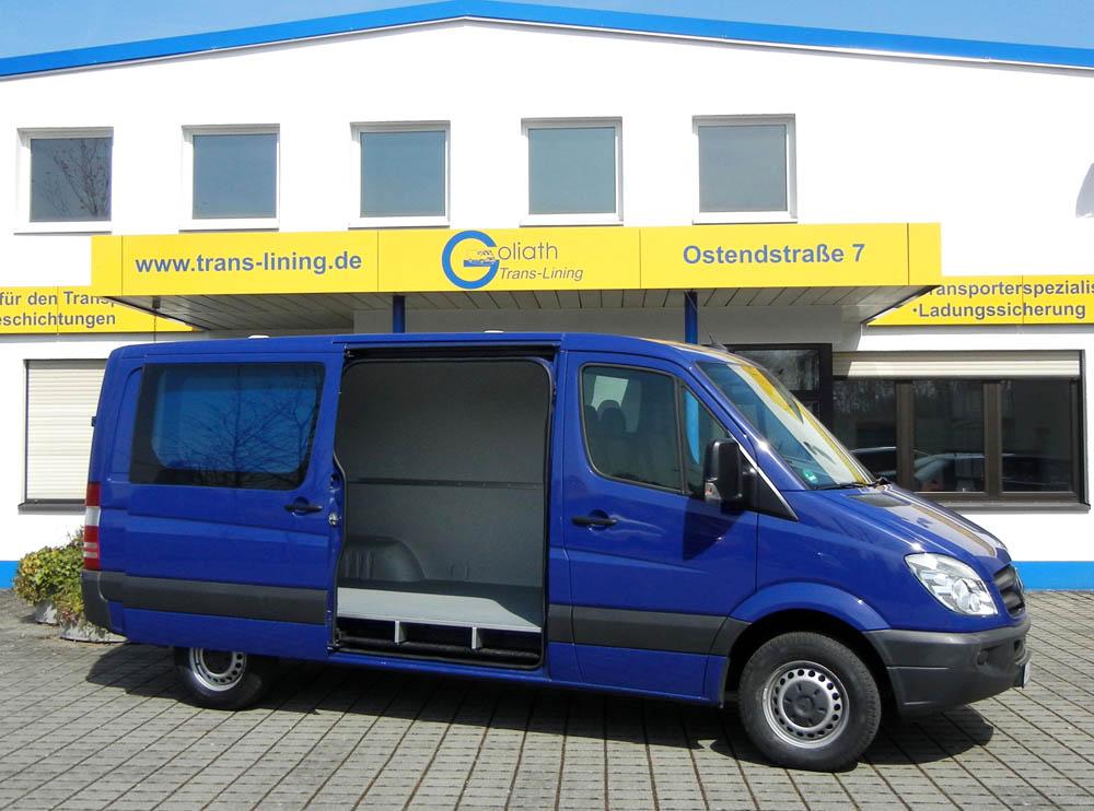 Hygieneausbau Trans-Clean im Mercedes Sprinter mit nachgerüsteter Ladungssicherung