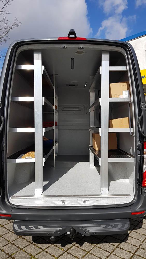 Individuelles Regal im Lebensmittellieferwagen mit Hygieneverkleidung