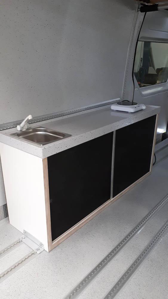 Simple Küche nachgerüstet im Freizeitmobil von Goliath Trans-Lining