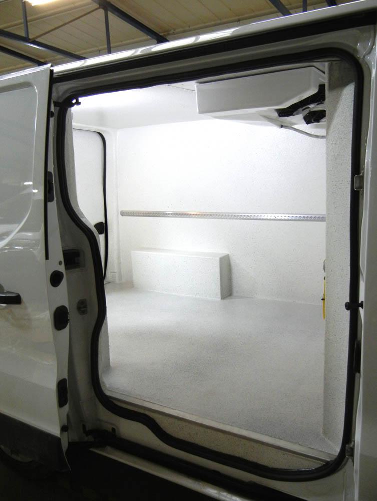 Laderaumausbau zum Kühlfahrzeug mit Oberflächenbeschichtung gemäß der HACCP