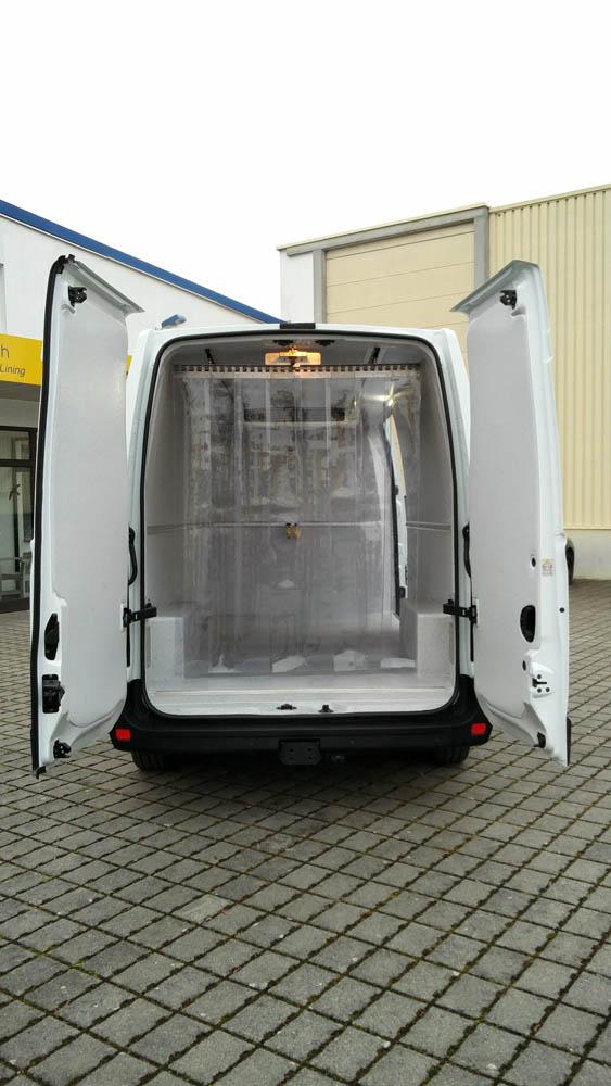 Streifenvorhang im Kühlfahrzeug nach der LMHV