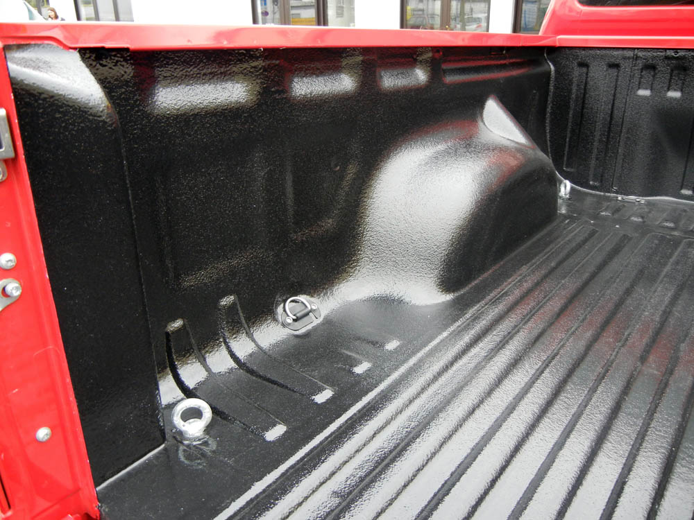 Ladeflächenbeschichtung beim Volkswagen Amarok