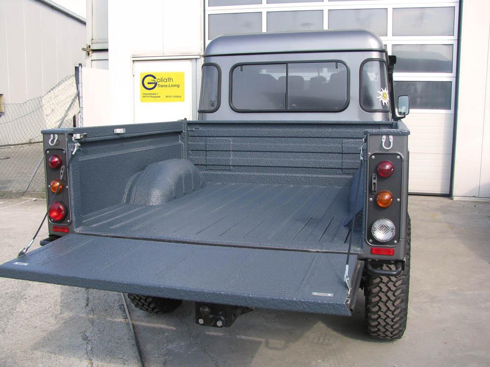 Ladeflächenbeschichtung bei einem Land Rover Pickup