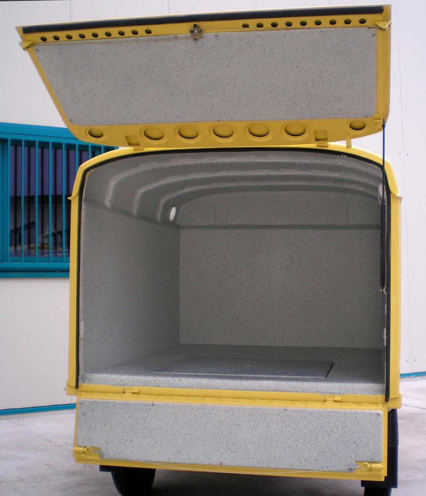 Piaggio APE mit hygienischen Ausbau des Laderaums