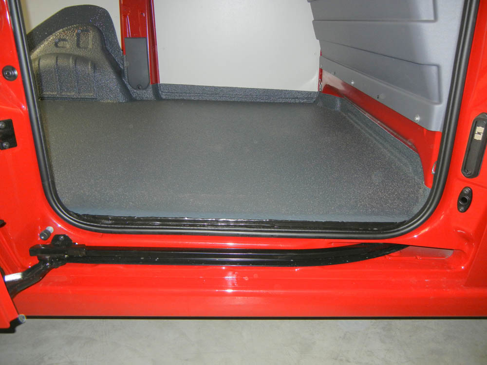 Polyurethan Beschichtung der Transporter Ladefläche mit elektrischem Antrieb