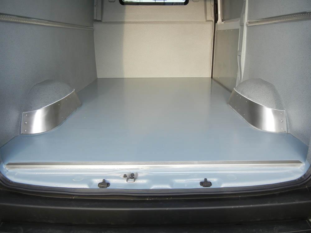 Der Radkastenschutz ist ein Radkastenblech aus VA Stahl