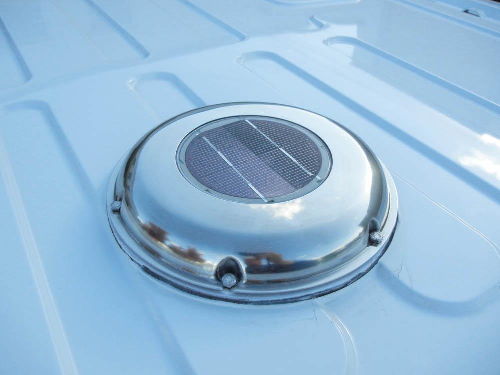 Solardachlüfter zu kontinuierlichen Laderaumbe- und -entlüftung