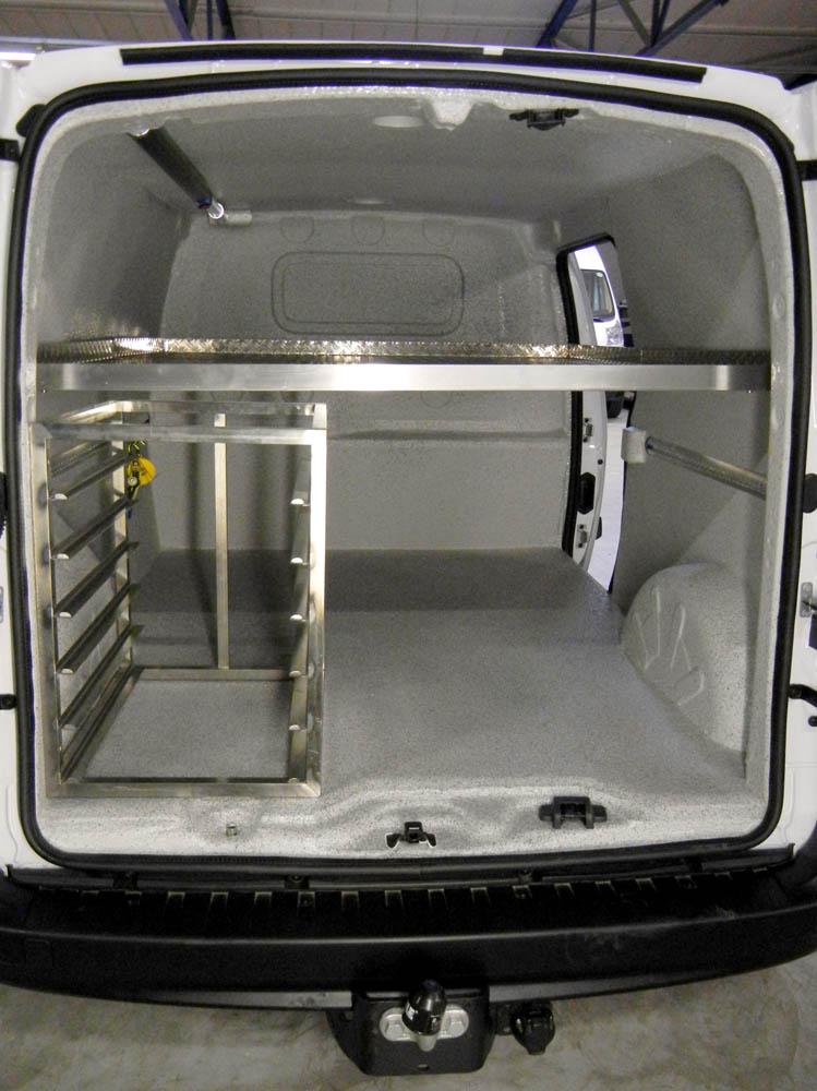 Stikken und Zwischenboden kombiniert in Bäckerfahrzeug mit Trans-Clean