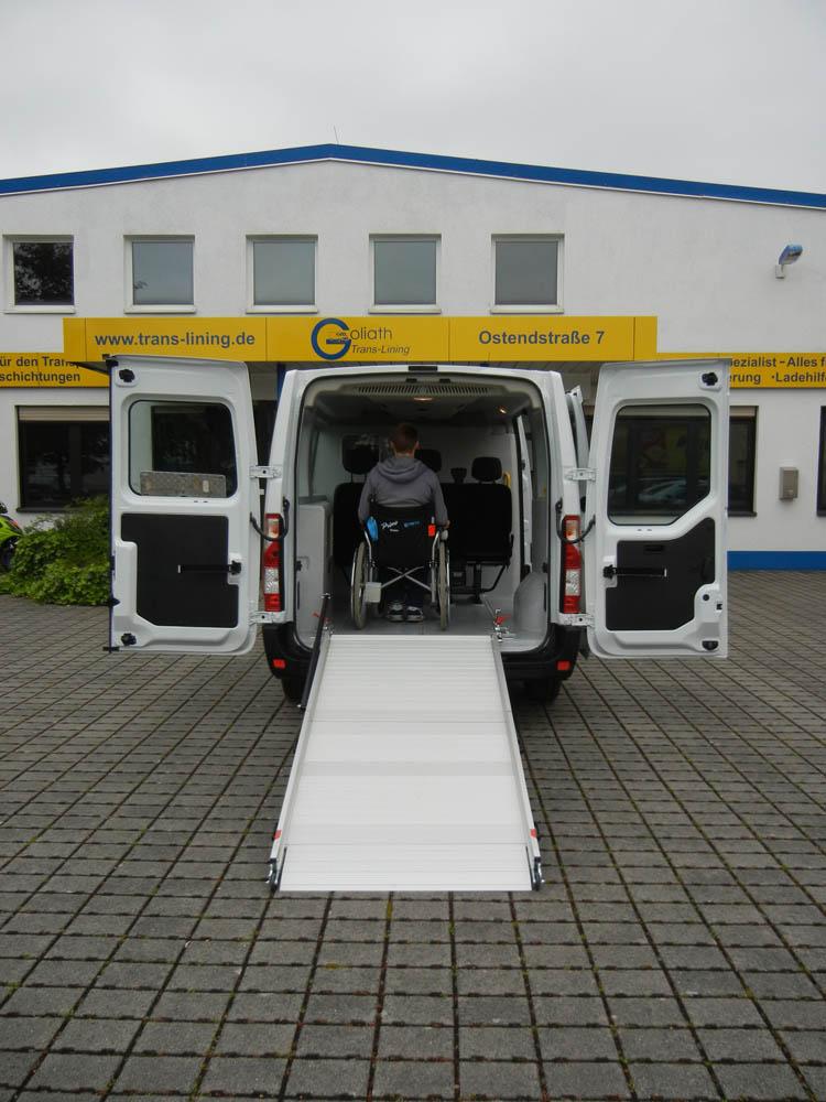 Trans-Care der Fahrzeugumbau für den Transport stark infektiöser Patienten von Goliath Trans-Lining