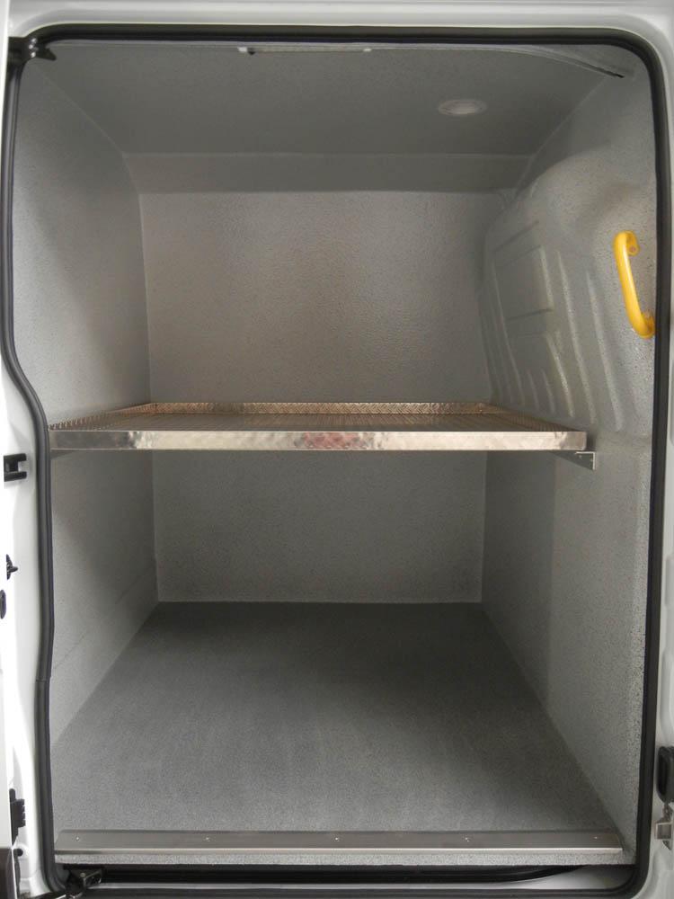 Zwischenboden in einem Wäschereifahrzeug